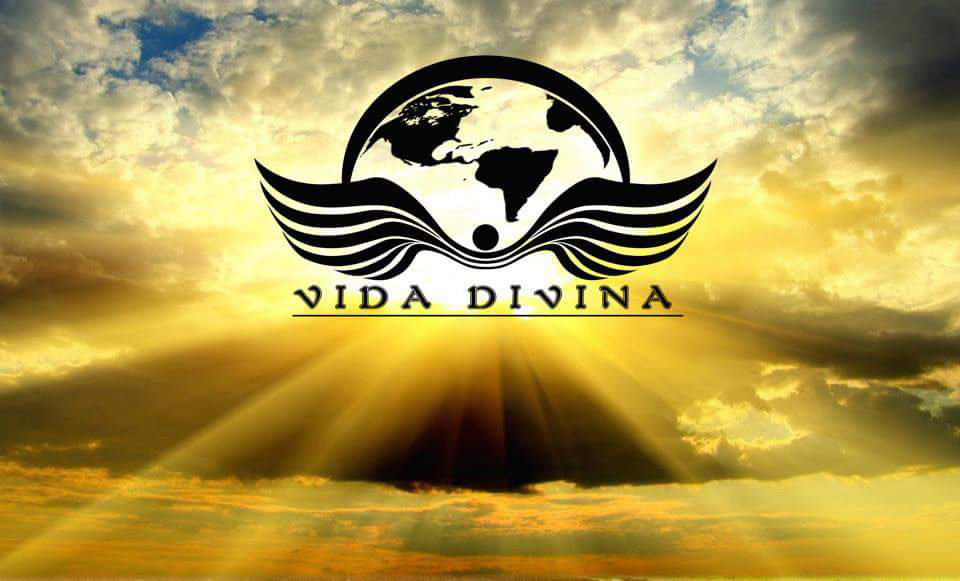 Vida Divina - logo en las nubes